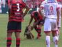 Cachorro rouba a cena no Paulistão e concorre à jogada mais bonita