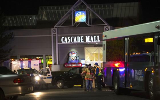 Atirador mata cinco em shopping no Estado de Washington