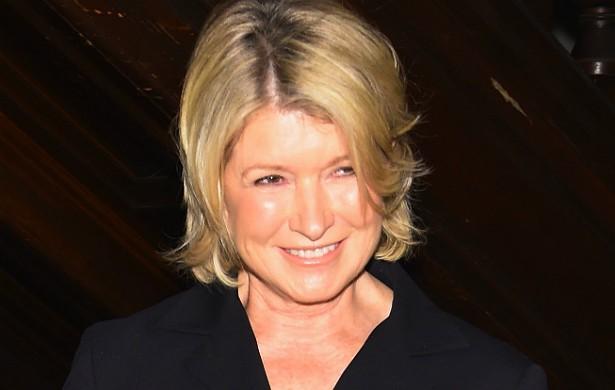 A apresentadora de televisão Martha Stewart, de 73 anos, diz acreditar no poder da tecnologia, por isso mantém perfil num site de namoros. (Foto: Getty Images)