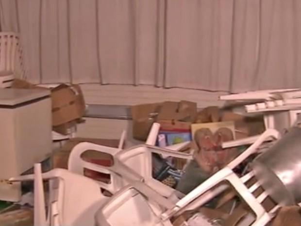 Escola Estadual em Osasco é depredada em ocupação (Foto: Reprodução/ TV Globo)