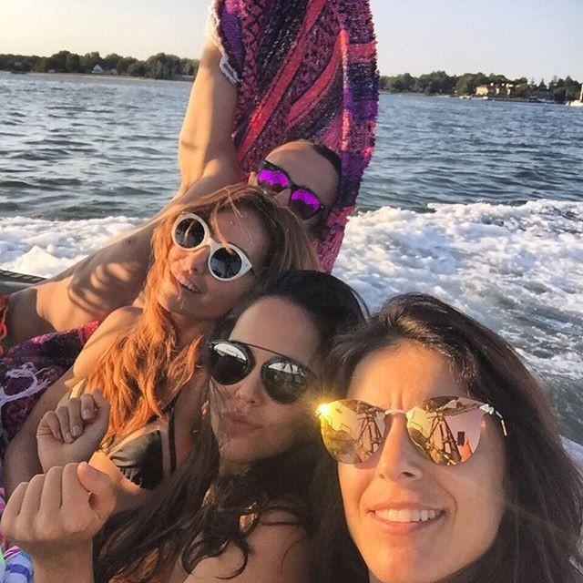 Sabrina Sato com amigos (Foto: Reprodução/Instagram)