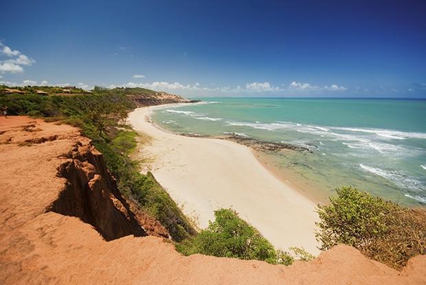Vista de cima da baía dos golfinhos. (Foto: Thinkstock)