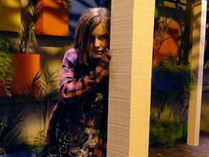 Lia fica escondida e observa os a briga dos dois (Foto: Malhação / Tv Globo)