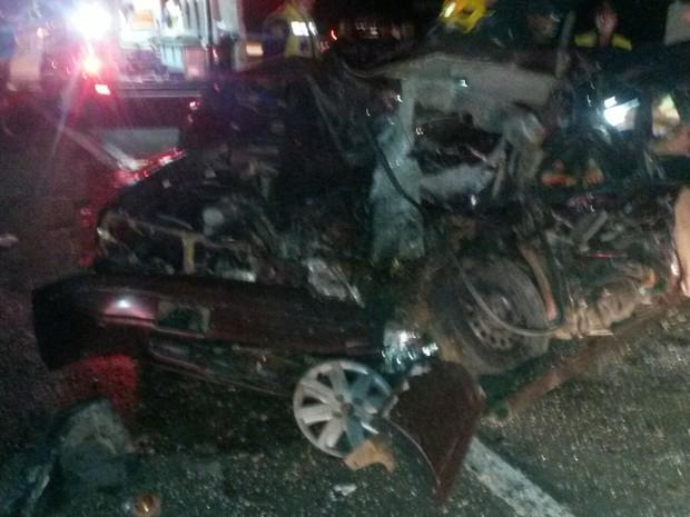Carro ficou destruído (Foto: Marjorry Calumby/Divulgação)