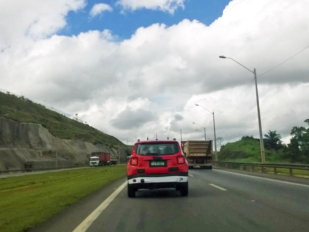 Jeep Renegade flagra (Foto: Rangel Barboza/G1)