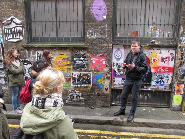 Um dos guias de Londres (Foto: Unseen Tours/Divulgação)