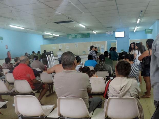 Ambulatório chegou a ser fechado no começo da manhã (Foto: Katherine Coutinho/G1)