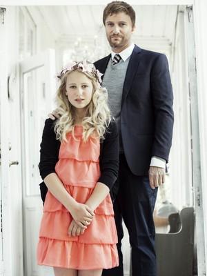 Thea e o noivo Geir. O blog em que a manina fala do casamento gerou revolta entre os internautas noruegueses (Foto: Reprodução/ Stopp Bryllupet)