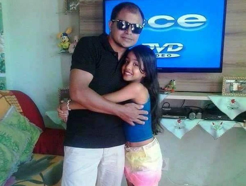Pai e filha morreram afogados em praia do Tocantins (Foto: Reprodução/Facebook)