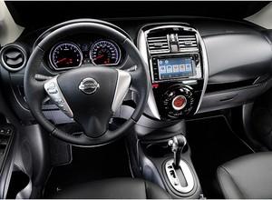 Nissan Versa com câmbio CVT (Foto: Nissan)