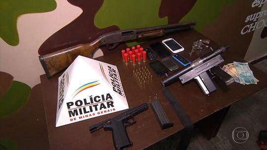 Polícia Militar prende homens com armas, munição e dinheiro na Grande BH