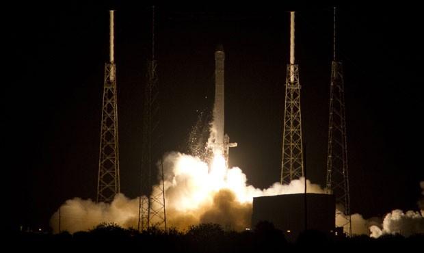 Foguete Falcon9 da SpaceX é lançado no estado da Flórida, nos EUA (Foto: Michael Brown/Reuters)