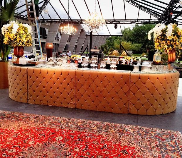Detalhe do bar e da decoração do casamento de Antônia Fontenelle e Jonathan Costa (Foto: Reprodução/Instagram)