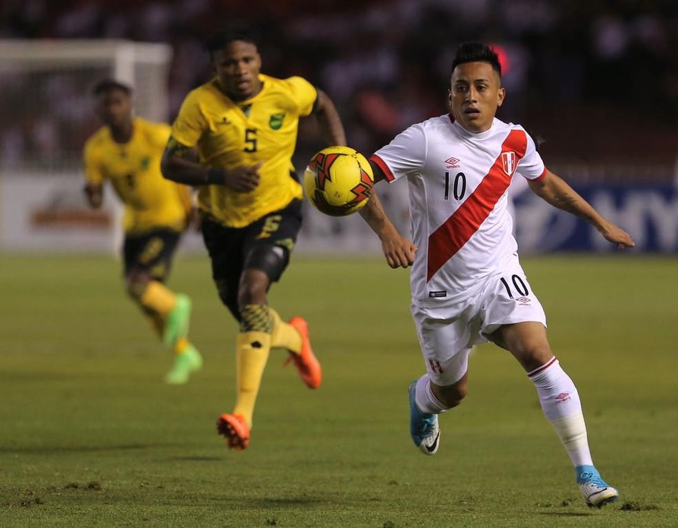Cueva deu assistência para Guerrero contra a Jamaica (Foto: Divulgação/Federação Peruana de Futebol)