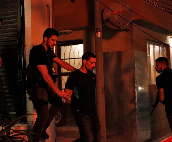 Dante quer levar Juliano preso (Foto: Inácio Moraes/ Gshow)