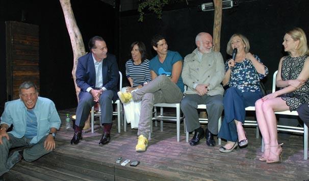 Jorge Fernando brincou com o talento do elenco e não poupou elogios à qualidade do texto e dos profissionais envolvidos na trama (Foto: Zé Paulo Cardeal/ TV Globo)