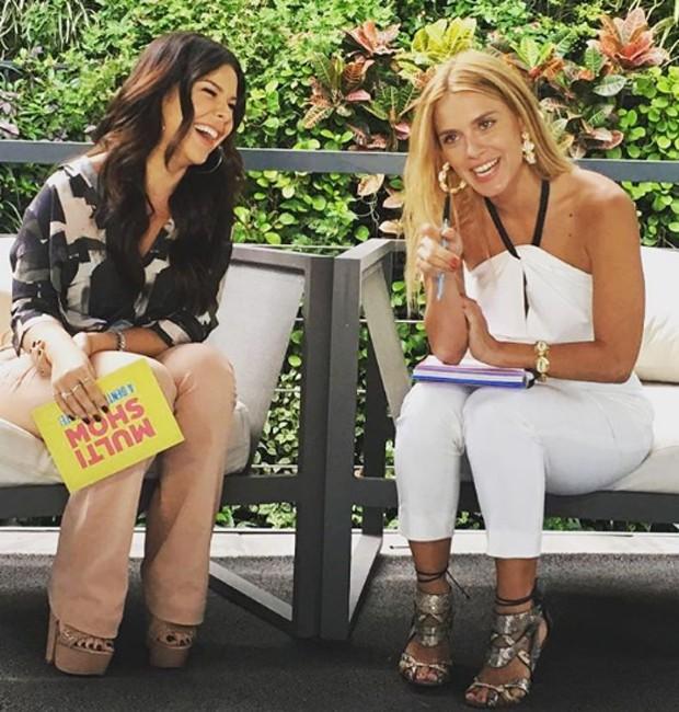 Fernanda Souza se diverte em entrevista com Carolin Dieckmann (Foto: Reprodução/Instagram)
