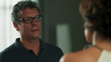 Miguel implora que Ana o aceite de volta