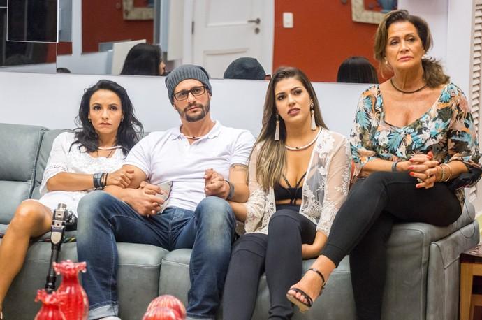 Um dos primeiros assuntos de Daniel com a família foi a amizade com os confinados (Foto: Paulo Belote / TV Globo)