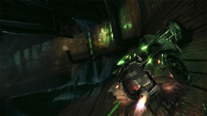 Charada desafia Batman para uma corrida nos esgotos no início do jogo (Foto: Divulgação)