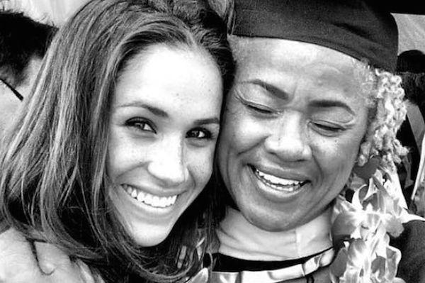 A atriz Meghan Markle com a mãe (Foto: Instagram)
