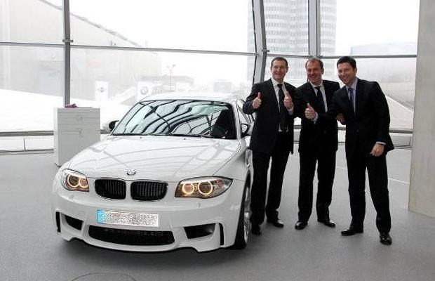 BMW entrega último Série 1M produzido a gerente de concessionária (Foto: Divulgação)