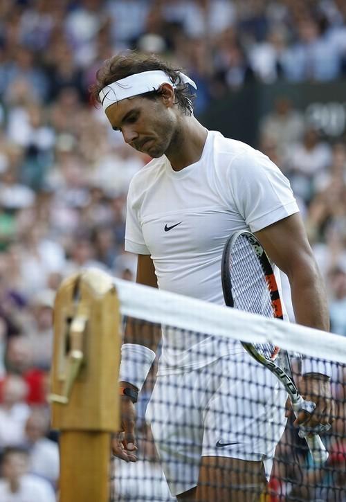 Foto (Foto: Nadal, derrotado e eliminado de Wimbledon. Foto AP)
