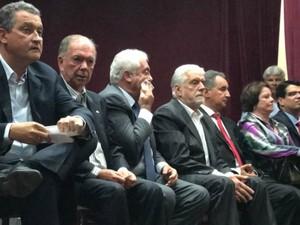 Governador Rui Costa, à esquerda, nomeou Wagner e outros quatro novos secretários (Foto: Alan Tiago Alves/G1 Bahia)