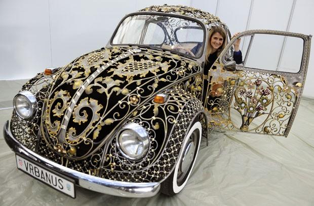 Fusca estilizado será apresentado no salão de automóvel de Essen. (Foto: Marius Becker/AFP)