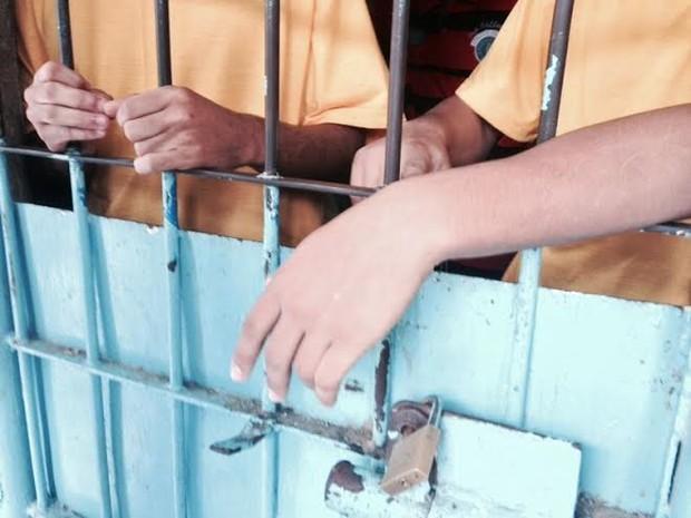 Menores infratores relatam más condições em unidade de internação (Foto: Roberta Cólen/G1)