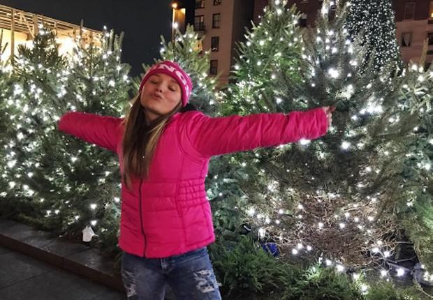 Larissa Manoela celebra aniversário em Nova York