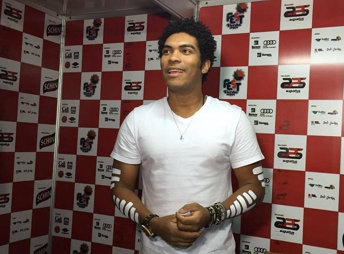 Denny, vocalista da Timbalada (Foto: Fernanda Pinheiro/GShow)