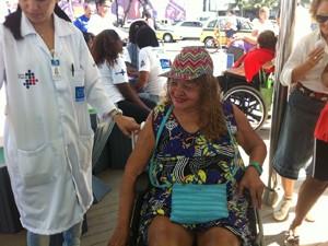 Amosita Ferreira também tomou vacina no quiosque (Foto: Christiano Ferreira / G1)