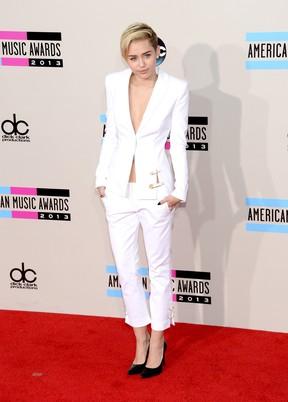 Miley Cyrus no American Music Awards em Los Angeles, nos Estados Unidos (Foto: Jason Merritt/ Getty Images/ AFP)