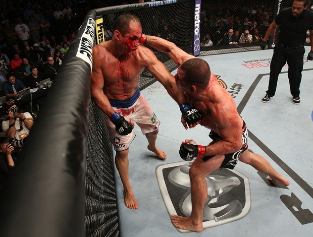 Cain Velasquez x Junior cigano Dos Santos ufc 166 (Foto: Getty Images)