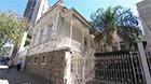 Arquiteto mostra casarão erguido em BH (Reprodução/TV Globo Minas)