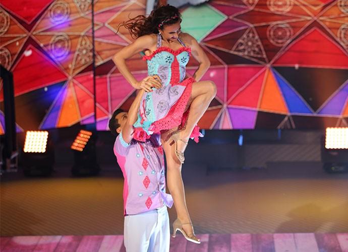 Maurren Maggia dança no palco do Domingão (Foto: Carol Caminha / Gshow)