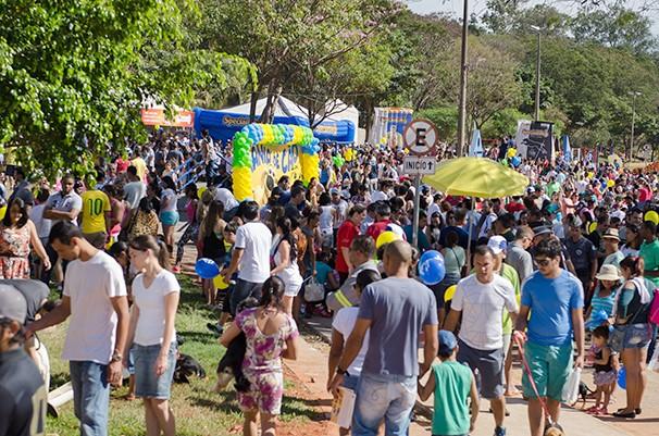 Milhares de pessoas trouxeram seus cães para o evento (Foto: Rodrigo Oliveto)