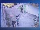 Vídeo: grupo rende vigilantes e rouba malotes de supermercado na capital
