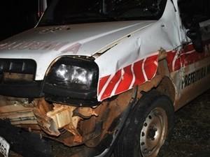 Veículo levava cinco pessoas na Região das Missões  (Foto: Renê Leal/Rádio Missioneira)