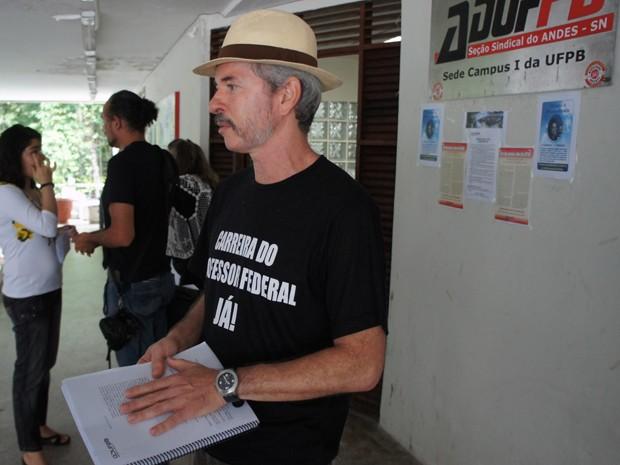Para o presidente da AdufPB, Ricardo Lucena, frustração foi o resultado da greve dos docentes (Foto: André Resende/G1)