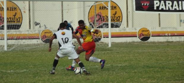 Paraíba 1 x 1 Cruzeiro-PB (Foto: Luiz Carlos Roque/ Globoesporte.com)
