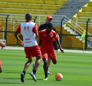 Michel Bastos São Paulo (Foto: Erico Leonan / site oficial do SPFC)