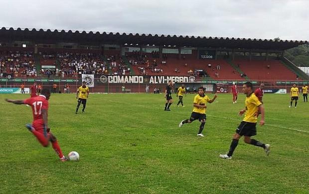Rio Branco-ES x Real Noroeste (Foto: Eduardo Dias/Globoesporte.com)