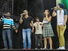 Thiaguinho, Luan Santana e Diogo Nogueira no ensaio do Criança Esperança (Foto: Divulgação / Christina Fuscaldo)
