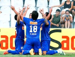 Ricardo Goulart comemora gol do Cruzeiro contra o Santos (Foto: Getty Images)