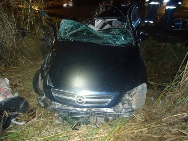Quatro pessoas da mesma família do RS morreram em acidente em SC (Foto: Claudério Augusto/PRF-SC)