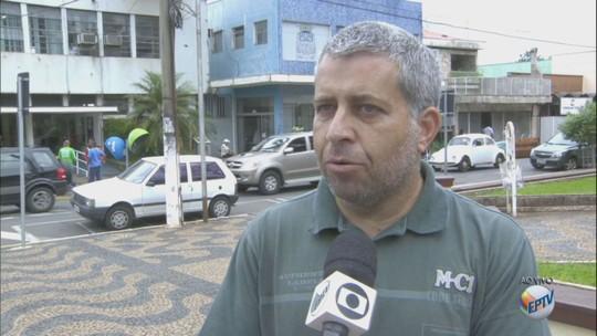 Fiscalização notifica 166 donos de terrenos sujos em Porto Ferreira, SP