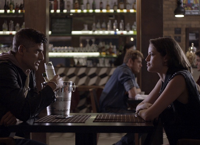 Anthony diz a Giovanna que ela terá que dar satisfação a Fanny (Foto: TV Globo)