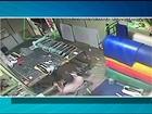 Homem invade empresa e assalta funcionários em Araguaína; veja vídeo